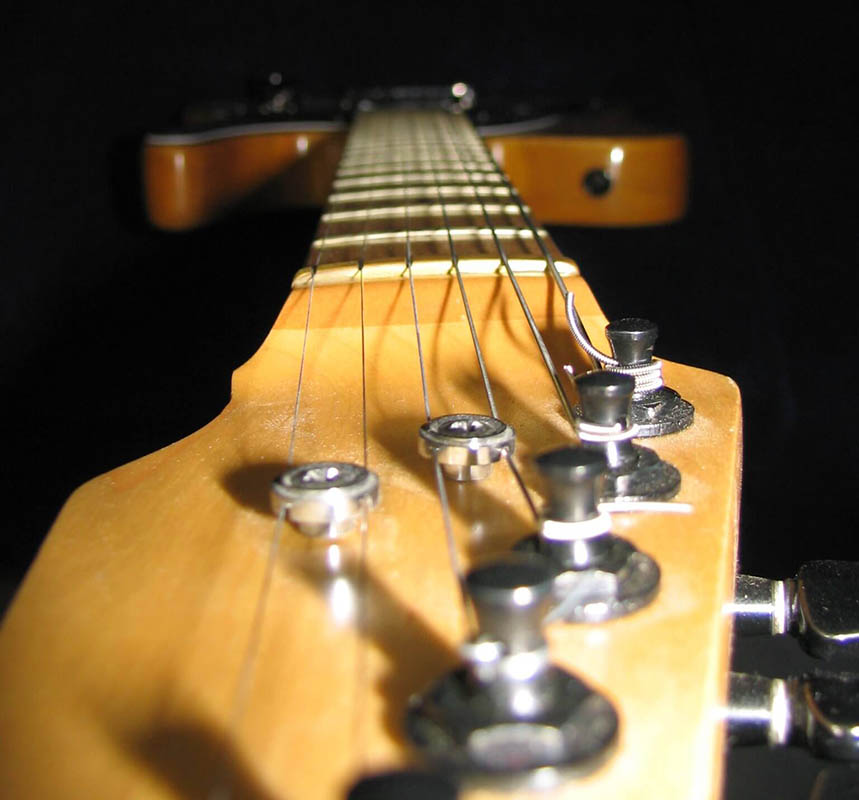 guitar-neck-photo-free-from-morguefile baja